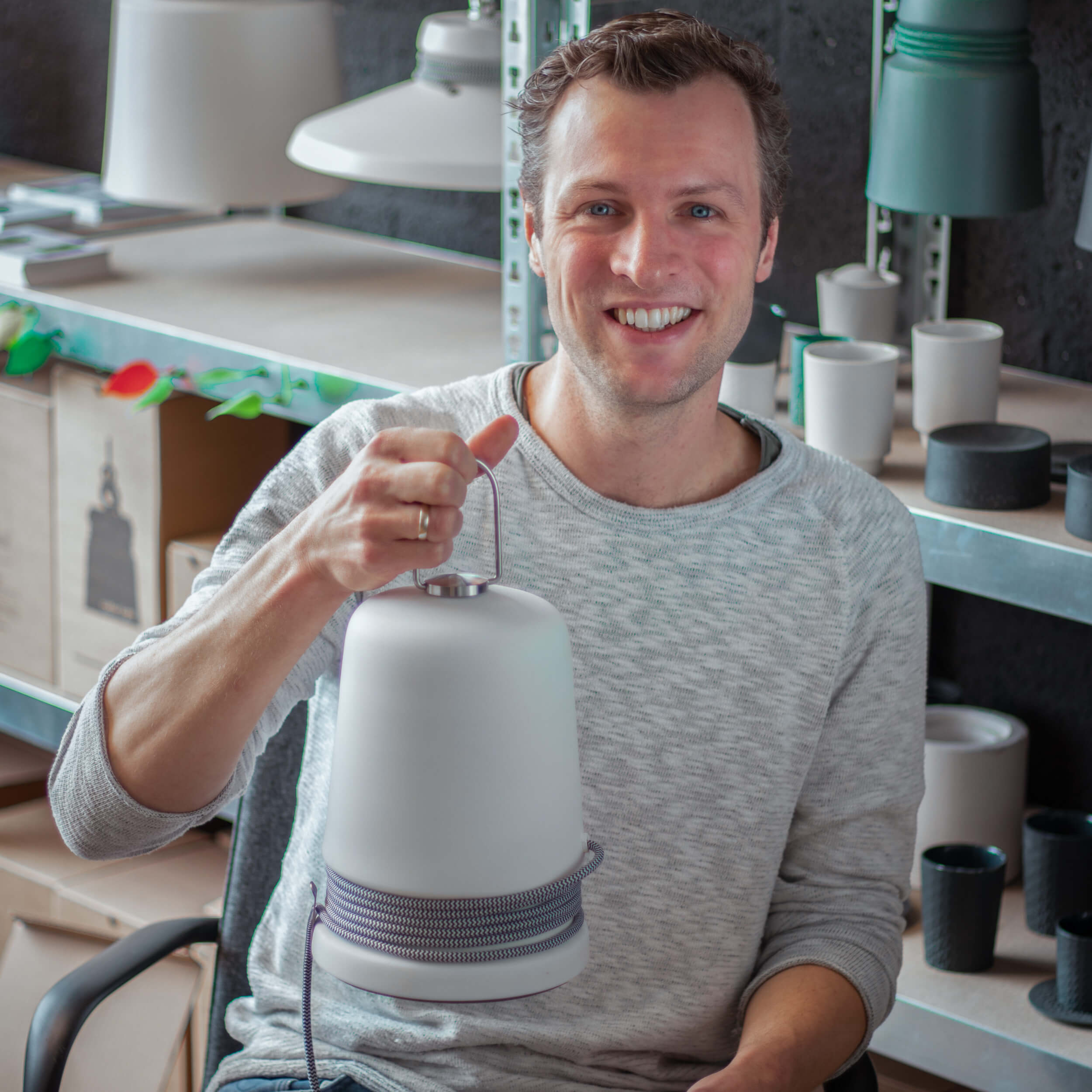 Q&A met KROONjuweel Patrick Hartog: 'In mijn -handmade- licht designs komen natuurlijke materialen terug, de kleuren en vormen maken het geheel elegant.'