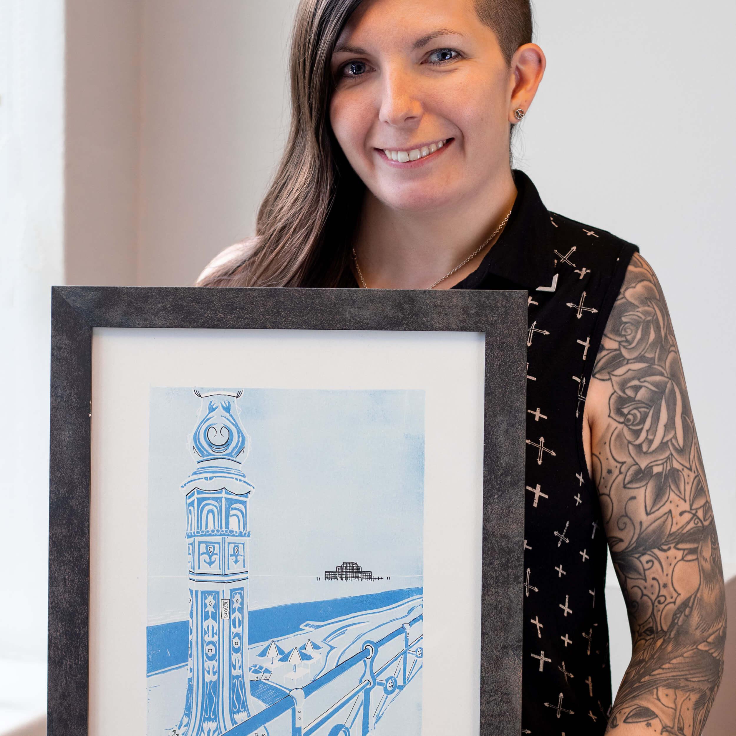 Q&A met Zoe Davison van Paper Wings Illustration: 'Ik gebruik het liefst gedurfde, grafische kleuren en lijnen in mijn werk en gebruik bij voorkeur een mix van technieken voor het maken van drukwerk, inkten, fijne lijnen en acrylverf.'