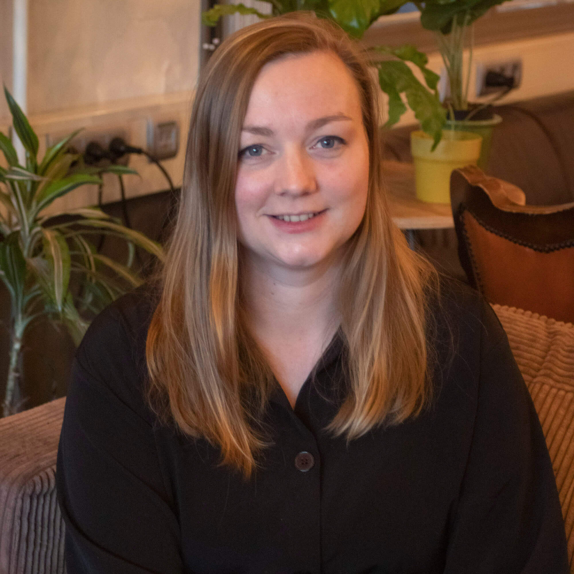 """Q&A met Laura Koenen: """"Studio Laura Koenen is een social design studio. Ik wil met mijn ontwerpen het dagelijks leven een stukje beter, mooier en aangenamer maken. Meestal in samenwerking met de doelgroep zelf."""""""